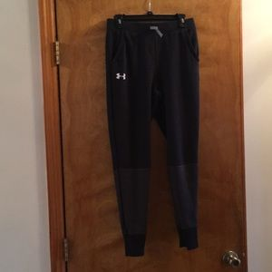 Boys Under Armour fitted joggers